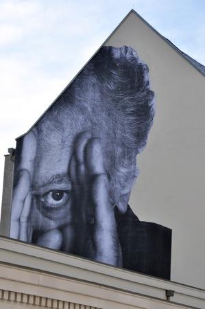 JR pasting Berlin