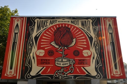 shepard fairey wall painting Berlin